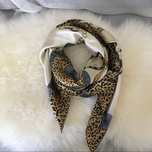 Accessories - New 100% silk scarf - big brown